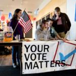 Students encourage their fellow students to vote. PHYLLIS GRABER JENSEN/BATES COLLEGE